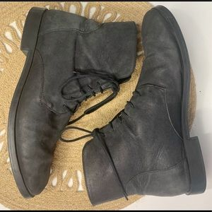 CAMPER LEATHER COMBAT BOOTS 8.5